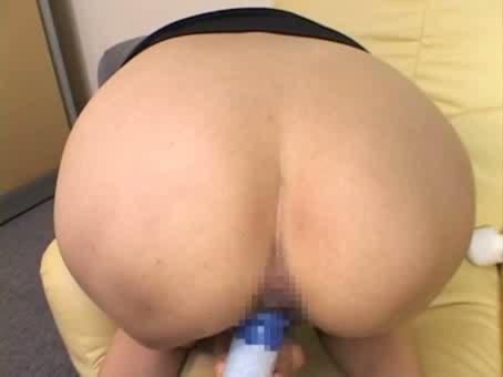 むっちりの人妻、石田れいな出演のバイブ無料jukujyo動画。       石田れいな むっちり巨尻人妻をバイブで攻め続ける